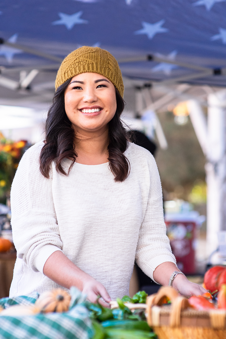 Headshot, personal branding, Kelli Loo CPA, Vancouver Farmer's Market